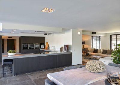 Moderne villa door Bob Manders